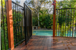 Metal pool gate