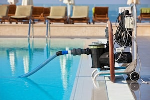Pool cleaning pump